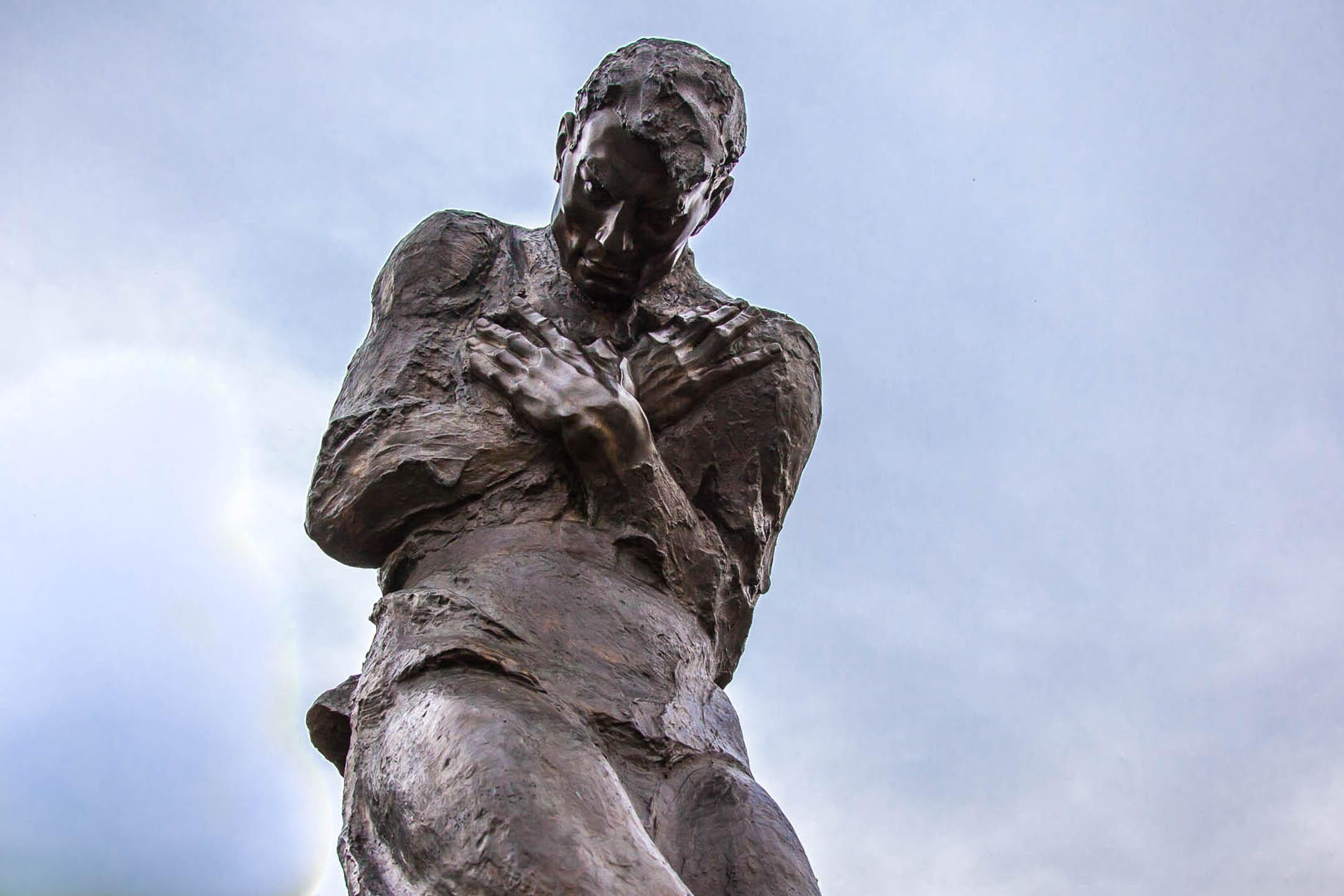 Памятник в парке Победы на Поклонной горе