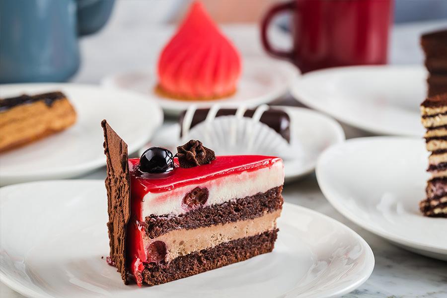 Десерты в Гастрономическом центре парка «Зарядье» (фото пресс-службы парка)