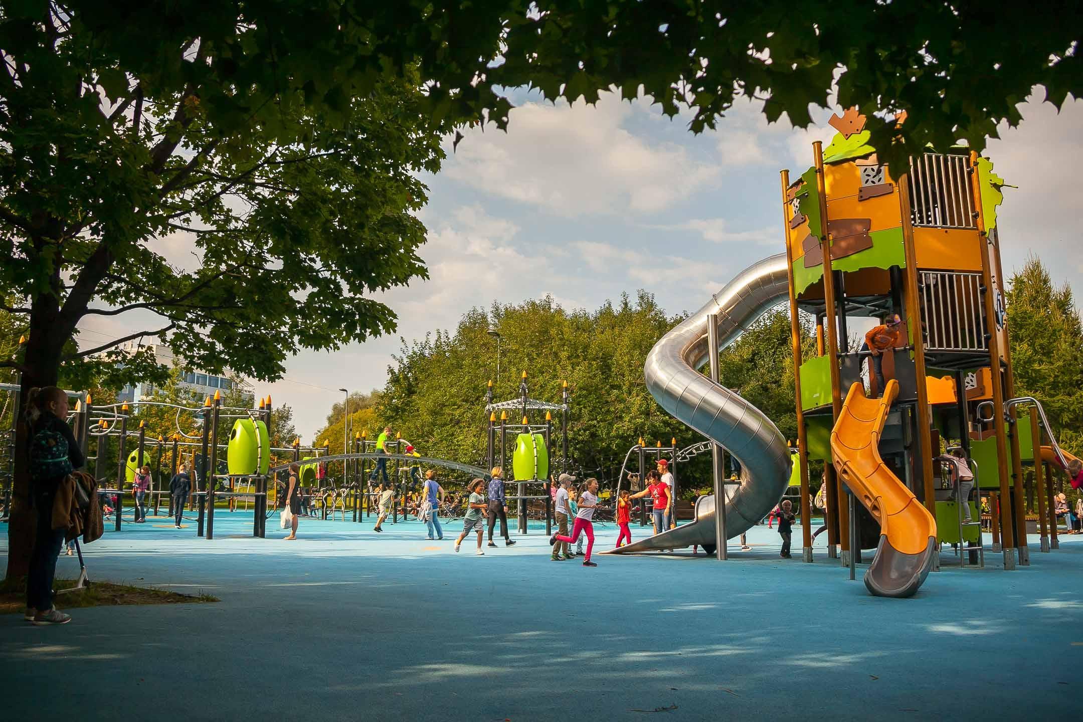 Детская площадка в парке «Садовники»<br />
