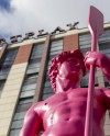 На набережной Яузы установили статую Давида с веслом