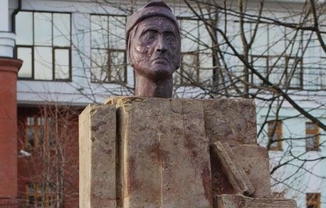Памятник Данте Алигьери, Сад «Эрмитаж», Москва — ParkSeason