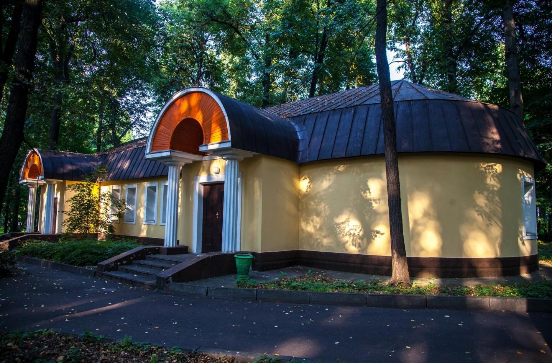 Здание администрации, Парк «Измайловский», Москва — ParkSeason