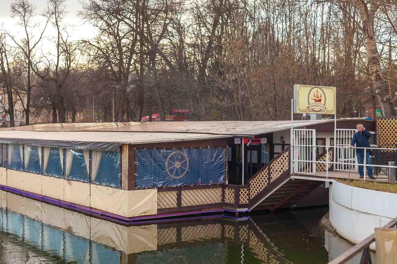 Кафе «Каравелла», Парк «Кузьминки», Москва — ParkSeason