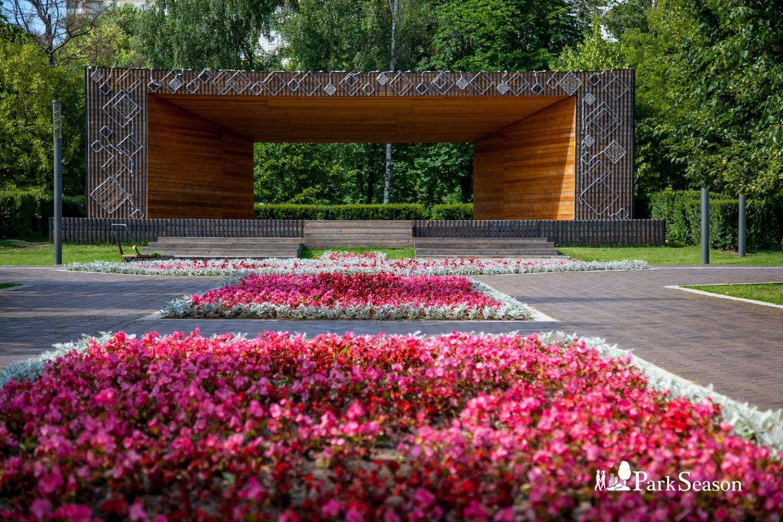 Сцена, Гончаровский парк, Москва — ParkSeason