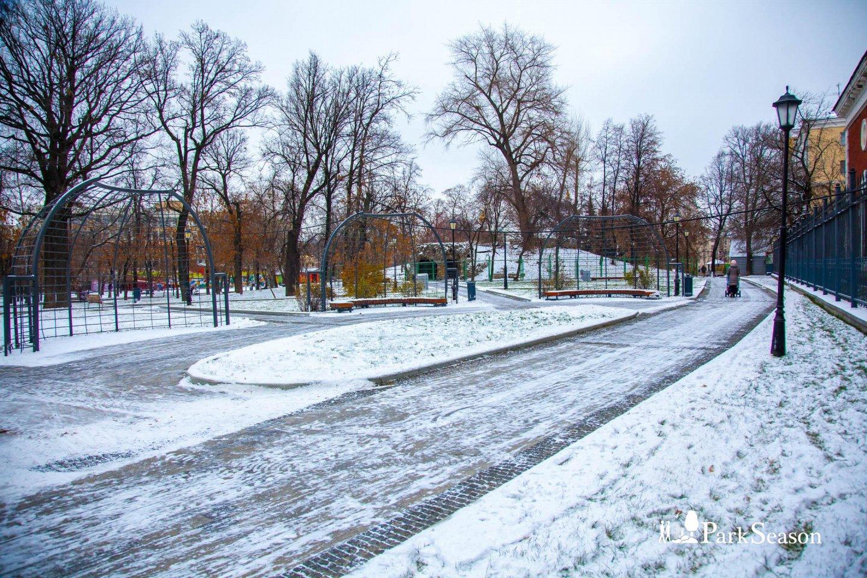 Беседка, Сад им. Баумана, Москва — ParkSeason