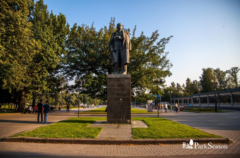 Памятник В. И. Ленину, Парк «Измайловский», Москва — ParkSeason