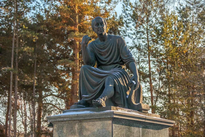 Памятник Державину Г.Р. — ParkSeason
