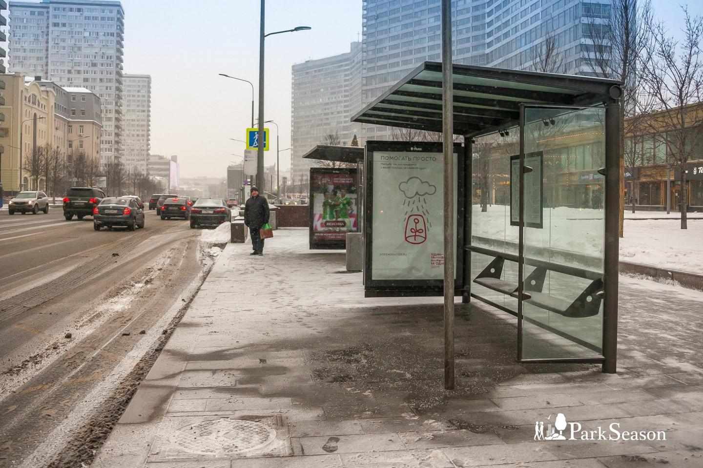 Остановка общественного транспорта «Дом книги» — ParkSeason