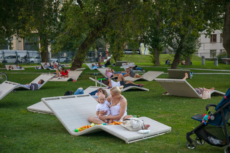 Зона отдыха, «Музеон», Москва — ParkSeason