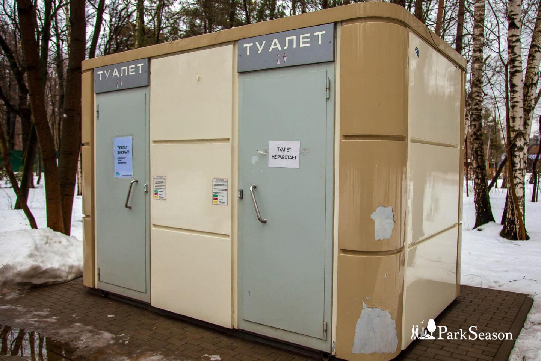 Туалет, Парк «Фили», Москва — ParkSeason