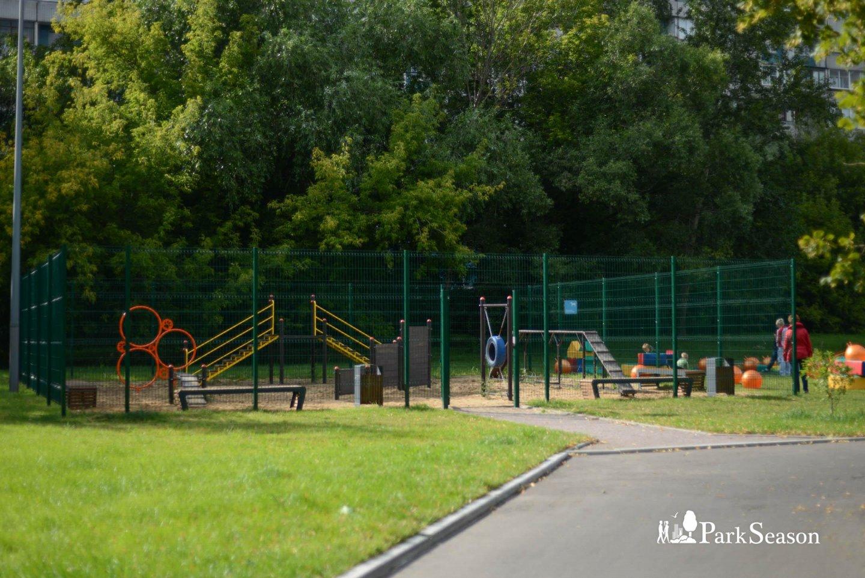 Площадка для выгула собак, Парк «Садовники», Москва — ParkSeason