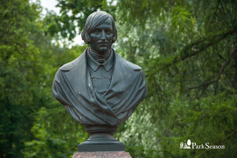 Бюст Н. В. Гоголя — ParkSeason