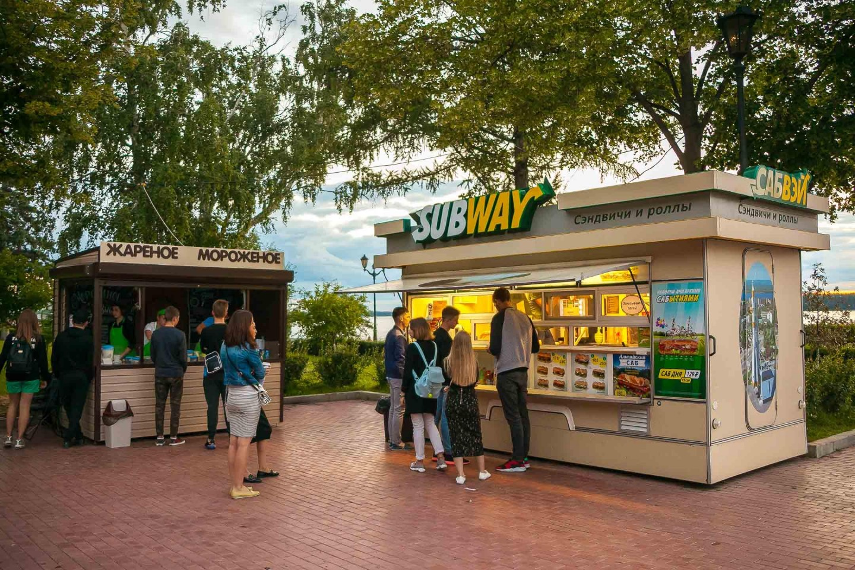 Киоск с уличной едой Subway — ParkSeason