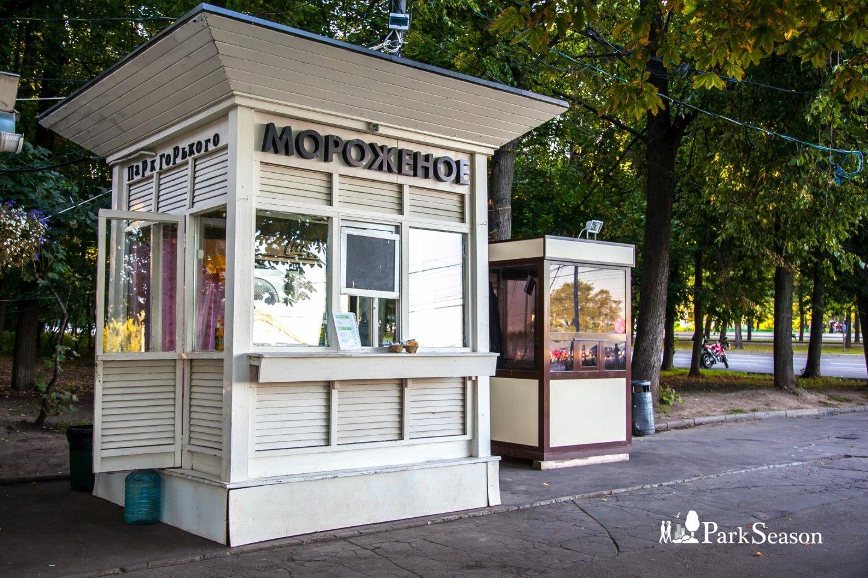 Мороженое, Озелененная территория МГУ, Москва — ParkSeason