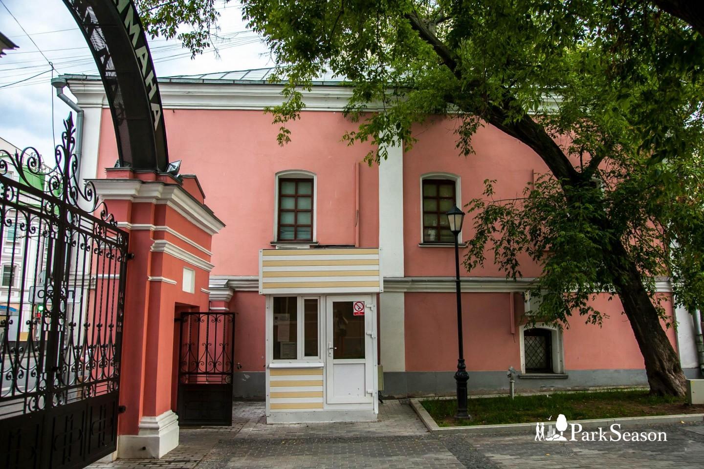 Посты охраны, Сад им. Баумана, Москва — ParkSeason