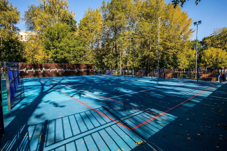 Площадка для игры в теннис и волейбол, Делегатский парк, Москва — ParkSeason