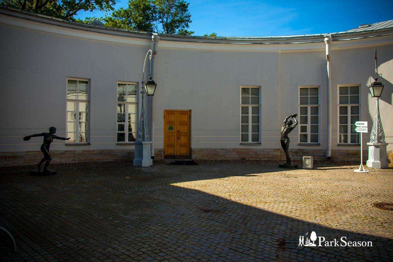 Полуциркульный и малые выставочные залы — ParkSeason