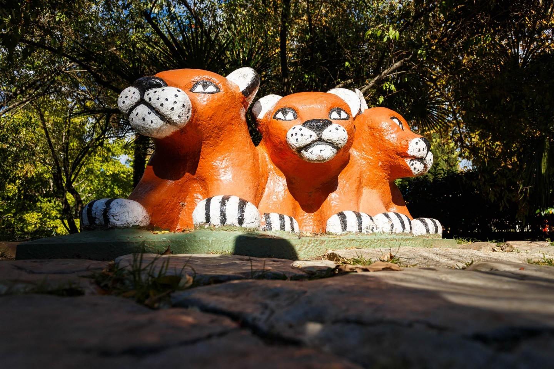 Скульптура «Три тигренка» — ParkSeason