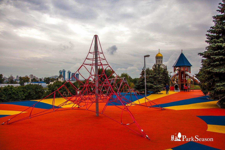 Детская площадка, Парк Победы на Поклонной горе, Москва — ParkSeason