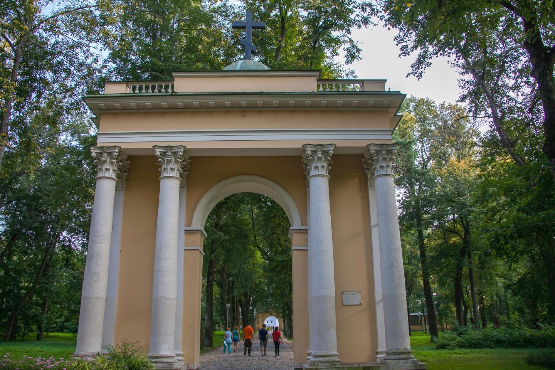 Святые ворота, Музей-усадьба «Архангельское», Москва — ParkSeason