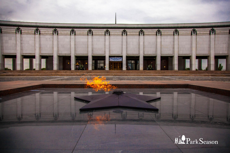 Вечный огонь , Парк Победы на Поклонной горе, Москва — ParkSeason