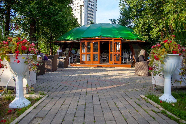 Кафе, Лианозовский парк, Москва — ParkSeason
