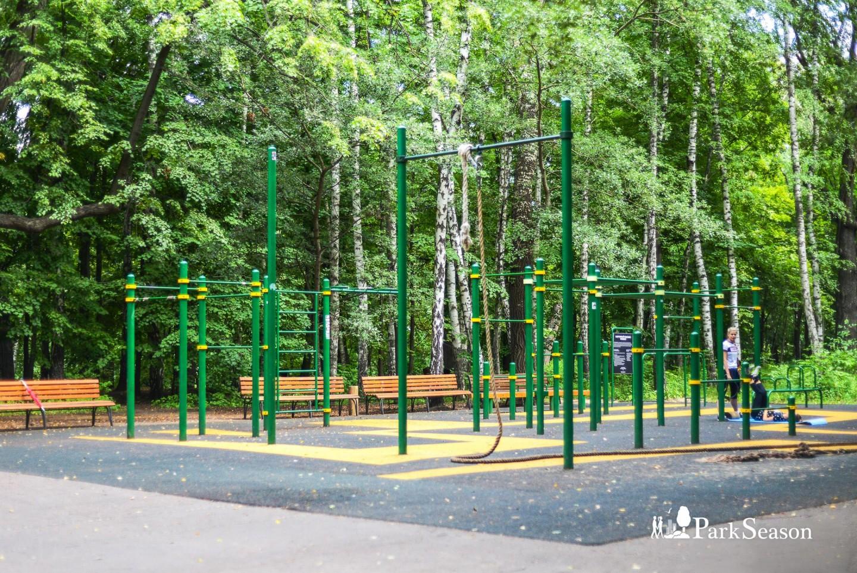 Площадка WorkOut, Нескучный сад, Москва — ParkSeason