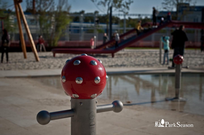Ручей и лазательная площадка — ParkSeason