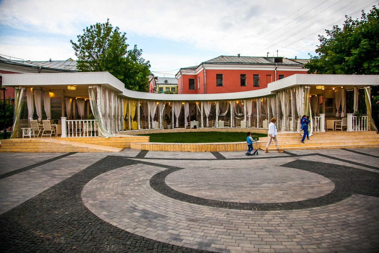 Кафе «Ганацвале в саду», Сад им. Баумана, Москва — ParkSeason