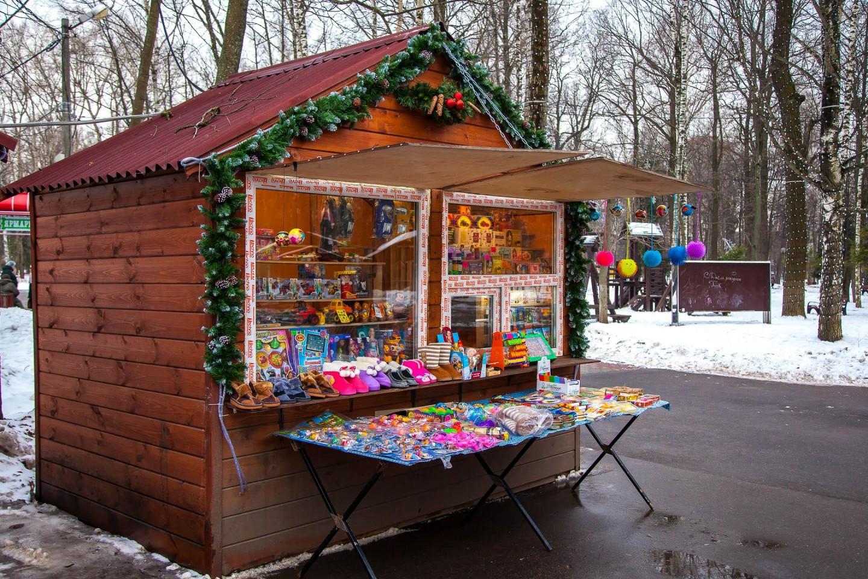 Киоск с сувенирной продукцией, Парк имени Льва Толстого (Химки), Москва — ParkSeason