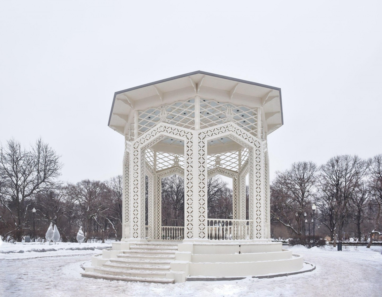 Ажурная беседка, Парк Горького, Москва — ParkSeason
