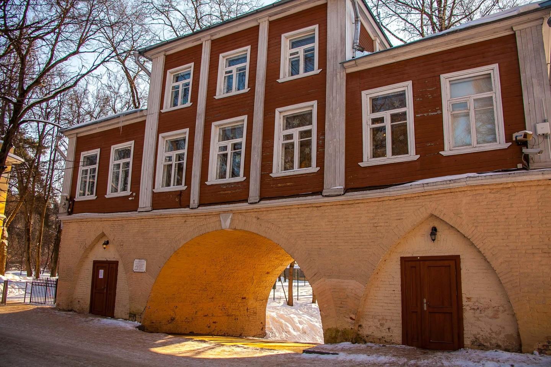 Каменная кладовая над оврагом, Музей-усадьба «Архангельское», Москва — ParkSeason
