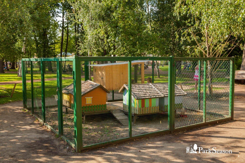 Живой уголок, Парк Горького, Москва — ParkSeason