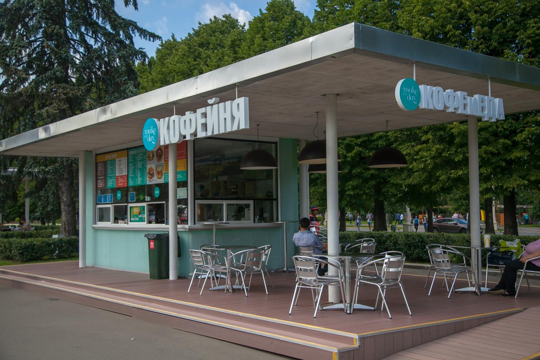 Фудкорт на Главной аллее, ВДНХ, Москва — ParkSeason