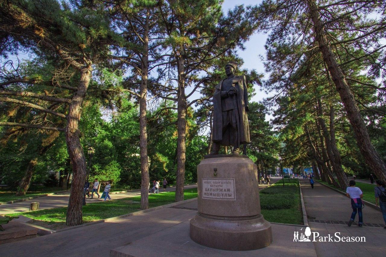 Памятник Бауржану Момушулы — ParkSeason