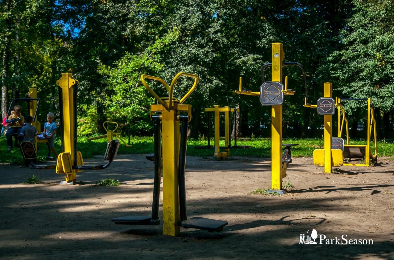 Уличные тренажеры, Парк имени Льва Толстого (Химки), Москва — ParkSeason