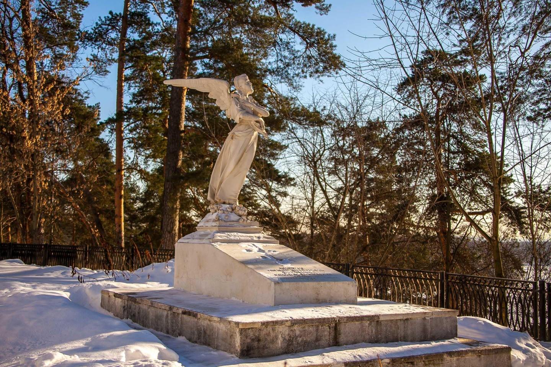Надгробие княжны Т. Н. Юсуповой, Музей-усадьба «Архангельское», Москва — ParkSeason
