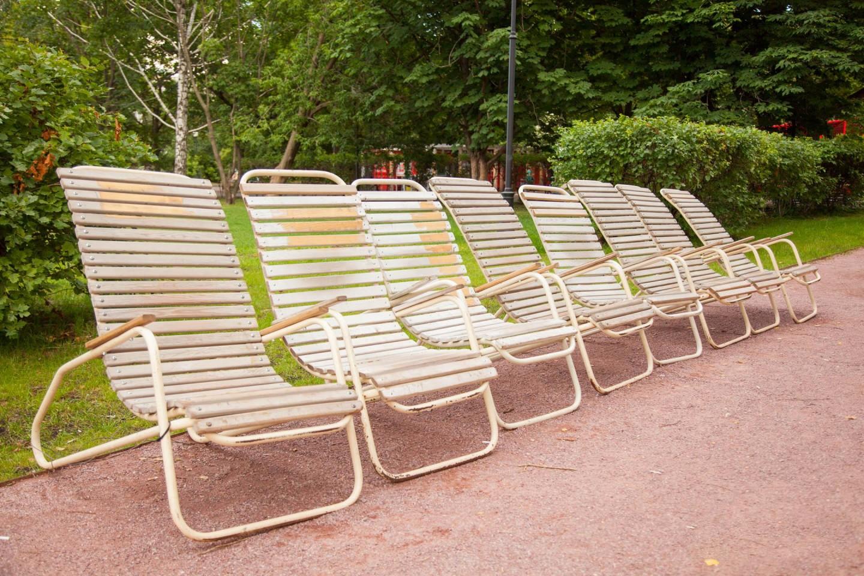 Зоны отдыха с лежаками, Парк Горького, Москва — ParkSeason