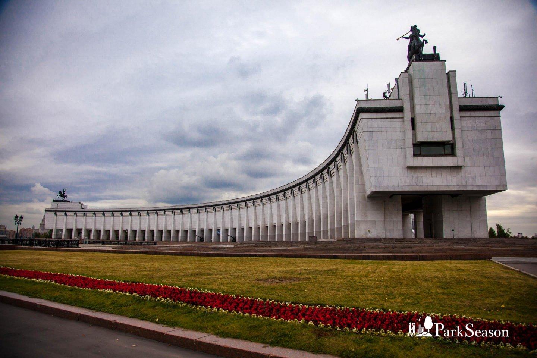 славится благоухающим музей парк победы в москве фото архитектуре проглядывается