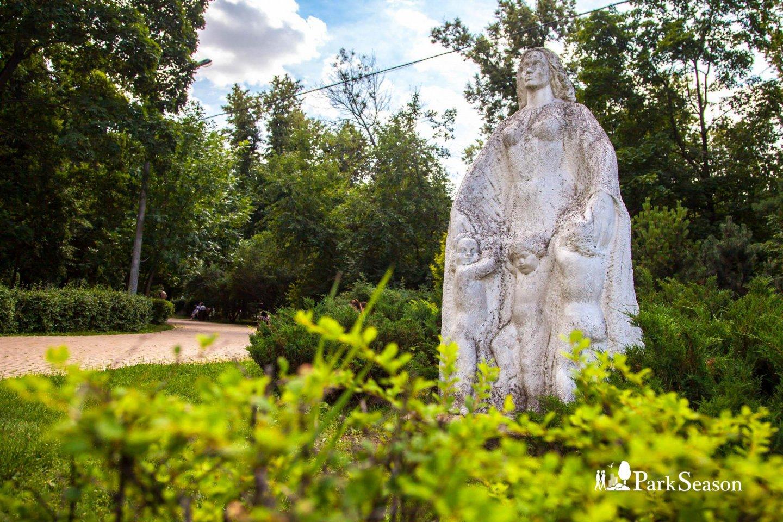 Памятники матери и ребенку, Парк «Сокольники», Москва — ParkSeason