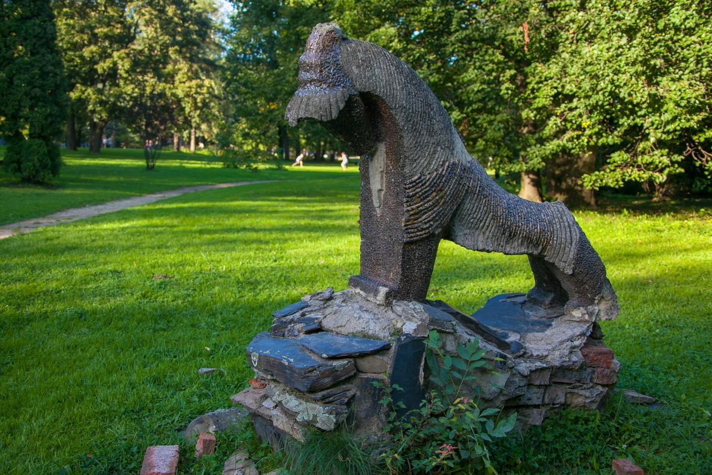 Каменное чудовище, ВДНХ, Москва — ParkSeason