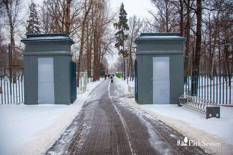 Главный вход, Лианозовский парк, Москва — ParkSeason