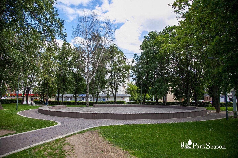 Танцевальная площадка (закрыта до мая 2019) — ParkSeason