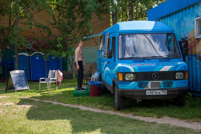Фургон с едой, Строгинский парк, Москва — ParkSeason