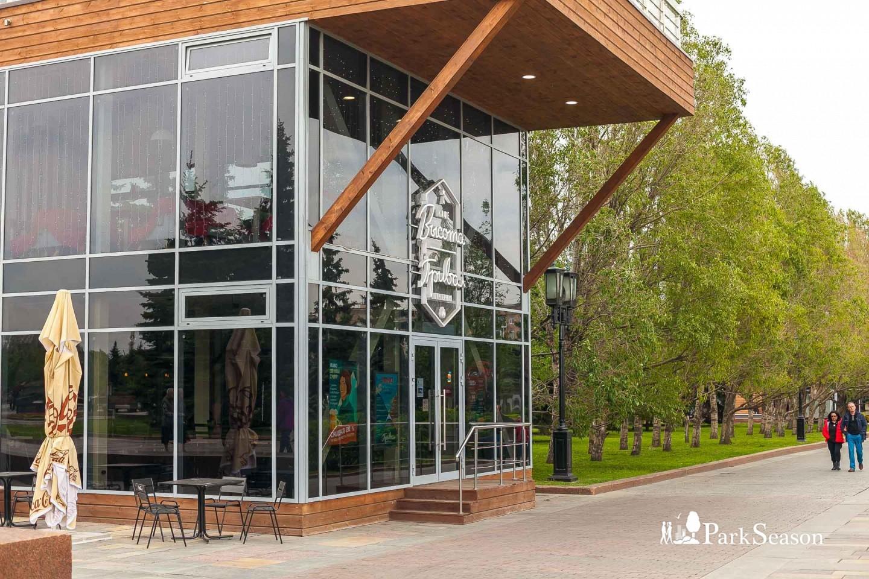 Бургерная «Привал», Парк Победы на Поклонной горе, Москва — ParkSeason