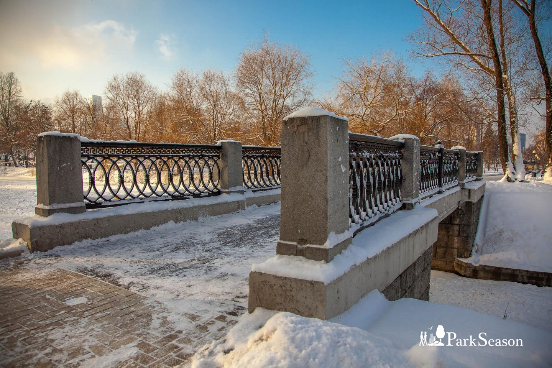 Мост , Парк «Новодевичьи пруды», Москва — ParkSeason
