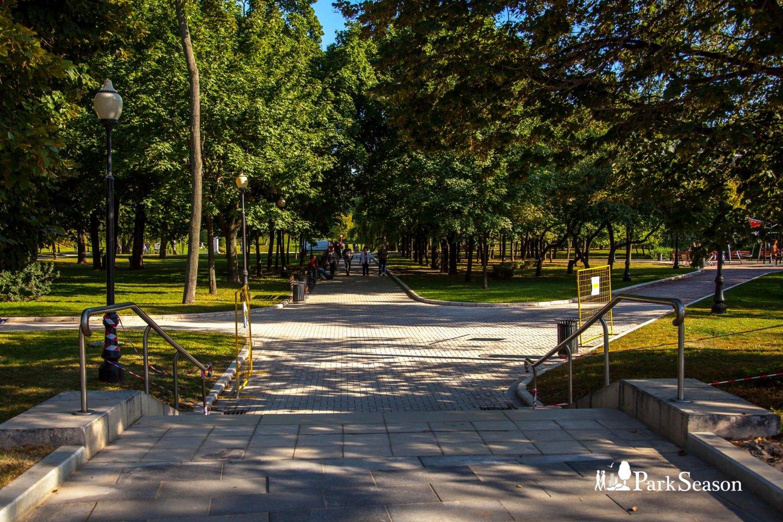 Входы в парк, Парк «Новодевичьи пруды», Москва — ParkSeason