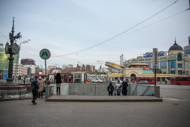 Станция метро «Площадь Тукая» — ParkSeason