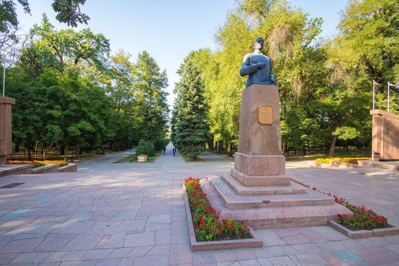 Памятник Ивану Панфилову — ParkSeason