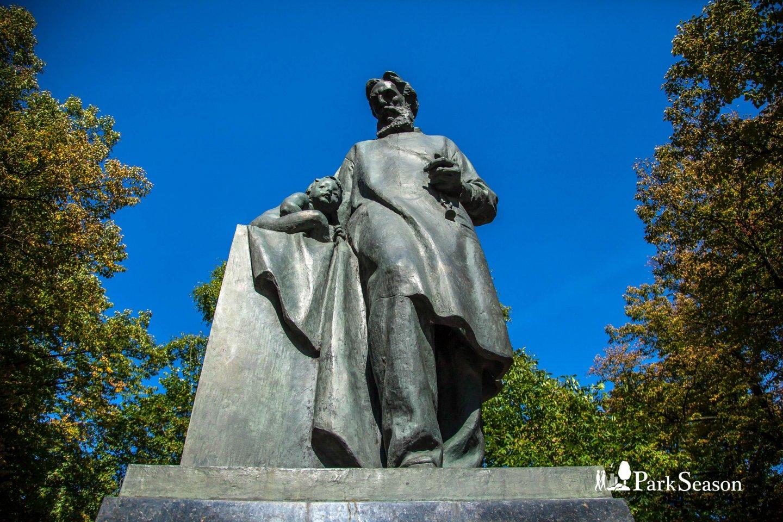 Памятник Н. Ф. Филатову, Сквер Девичьего поля, Москва — ParkSeason